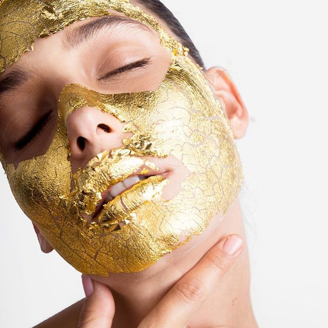 This is the gold mask that Victoria's Secret Angels are crazy about!!!I