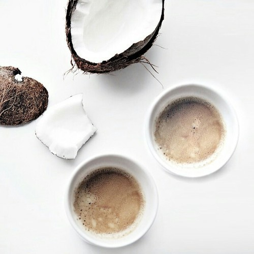 Try Coconut Oil In Coffee! It Tastes Good and Has Many Benefits!