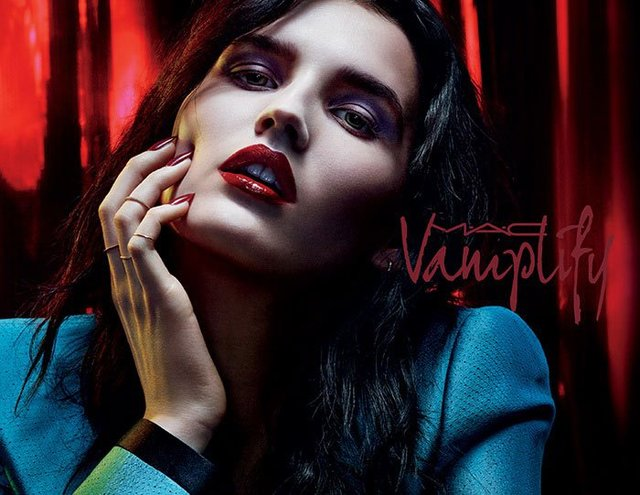 ♡MAC Vamplify LipGloss- 2016 Fall Collection♡