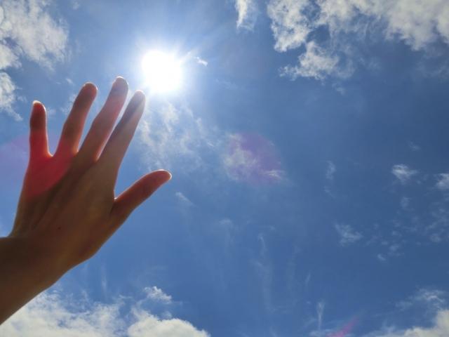 眩しい太陽と青空6 写真素材なら「写真AC」無料(フリー)ダウンロードOK (249)