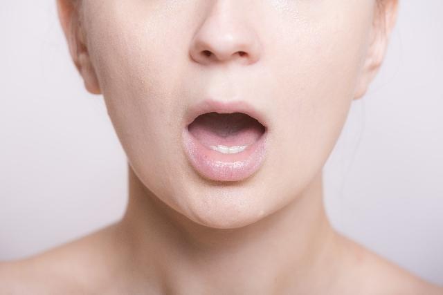 女性の口元2 写真素材なら「写真AC」無料(フリー)ダウンロードOK (251)