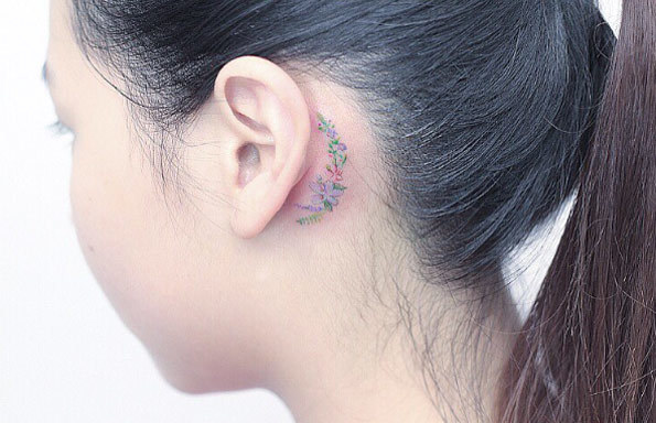 40+ Amazing Behind The Ear Tattoos For Women - TattooBlend (4843)
