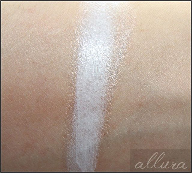 "Review & Swatches: Becca Shimmering Skin Perfector in ""Pearl"" 