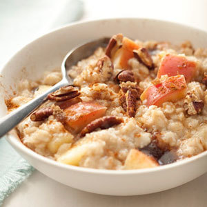 Oatmeal with Apples, Pecans and Cinnamon (7705)