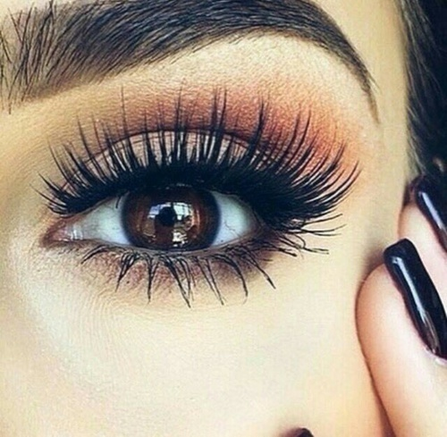 Makeup for brown eyes! Check the best eyeshadow shades and palettes for brown eyes!