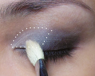 Subtle, Glitzy New Year Glitter Eye! – Here's a... (12792)