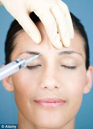 Botox: Experts say anti-wrinkle jabs simply DON'T make you look younger | Daily Mail Online (13771)