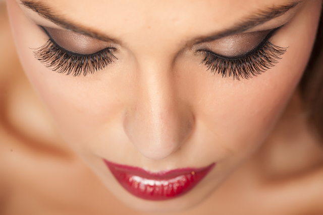 Natural remedies to get beautifully long eyelashes | AllDayChemist Online Pharmacy Blog, Health Blog (14936)