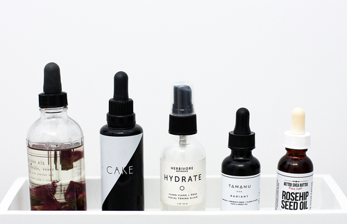 beauty favorites | oils for healthy hair & skin!  www.fashionlush.com by erica lynn | WHI (15674)