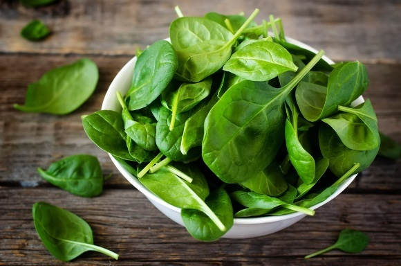 Spinach 101: Nutrition Facts and Health Benefits (15725)