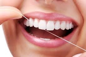 Brush or Floss First? What is the best brushing?
